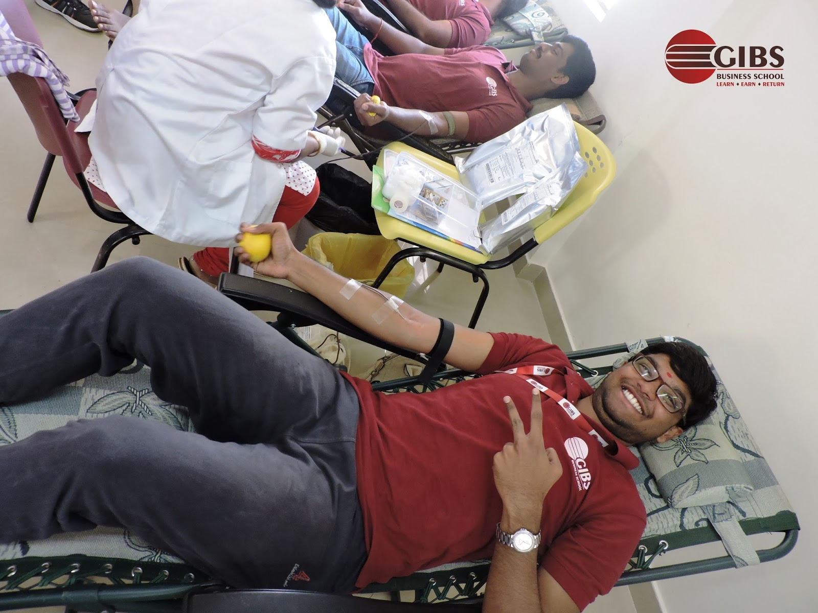 a blood donation camp in my school My 55th blood donation at blood donation camp organised by prabhat mitra mandal and yuva vikas mandal at zp school vasai gaon today on occasion of maharashtra din 01/05/2016 donate blood and save three lives.