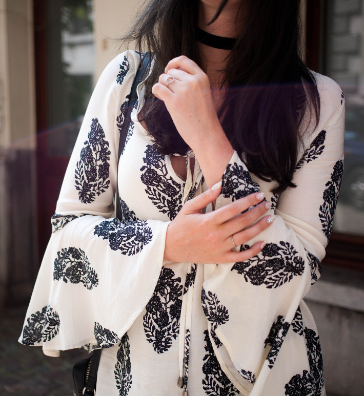 Outfit: Bell Sleeve blouse