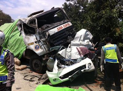 Kecelakaan Karambol Di Pantura Batang, 4 Orang Tewas