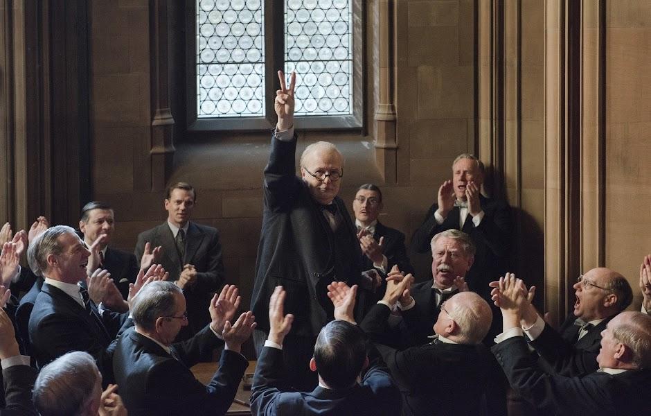 """Gary Oldman é Winston Churchill no trailer de """"O Destino de Uma Nação"""""""