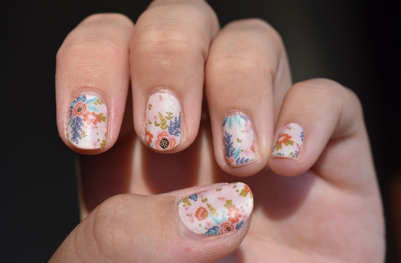 A Taylored Beauty: Jamberry Nail Wraps Application & Review
