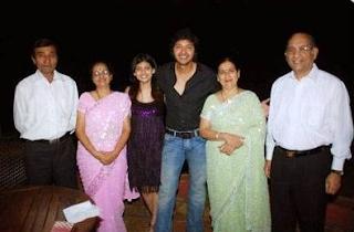 Shreyas Talpade Family Wife Son Daughter Father Mother Marriage Photos Biography Profile
