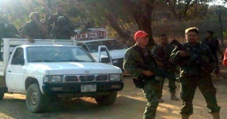 """Se """"retiran"""" MILITARES; Sicarios de """"La Familia Michoacana"""" atacan en Apaxtla, Guerrero y provocan desplazamientos"""