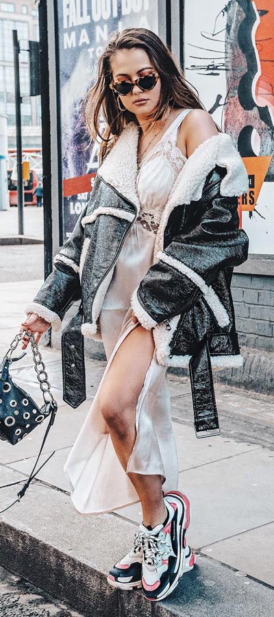 Spring is here! Need spring outfit inspiration? Check out these 29 Chic Spring Outfits That Look Effortlessly Sexy and Cool. lace dress   Spring Fashion + Spring Wear via higiggle.com #fashion #spring #style #chic
