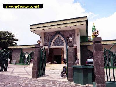 Tampak Depan Mesjid Raya Tanjung Pinang