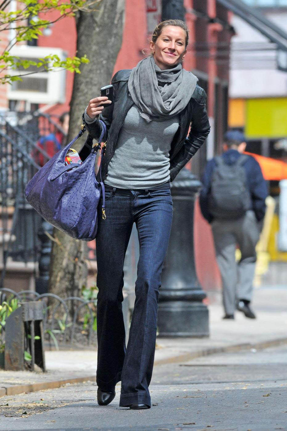 W W W Gisele Bundchen Street Style Normal Look And