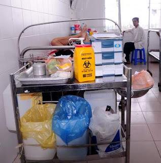 Bao rác bệnh viện có logo y tế