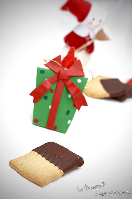 Sablés enrobés au chocolat