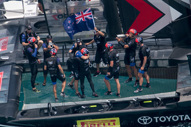 Looking For Inspiration. A Mater Class Event: Emirates Team New Zealand Win the 35th America s Cup