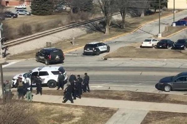 Di Amerika Anak Perwira Polisi Tega Menembak Mati Kedua Orang Tuannya