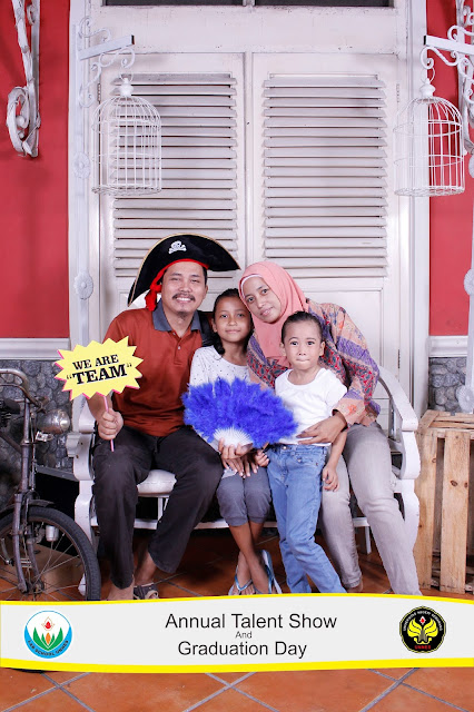 +0856-4020-3369 ; Jasa Photobooth Semarang ~Graduation Day TK Labschool UNNES~
