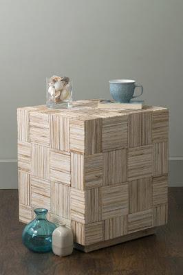 Ruang tamu merupakan ruangan pertama yang memberi kesan kepada tamu yang tiba 40 Model Unik End Table untuk Mempercantik Interior Ruang Tamu