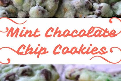Mint Chocolate Chip Cookies #christmas #cookies