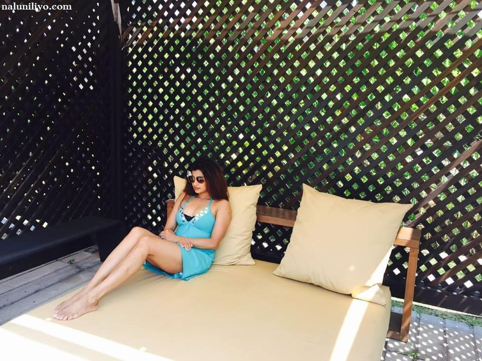 Nadeesha Hemamali sexy legs blue photos