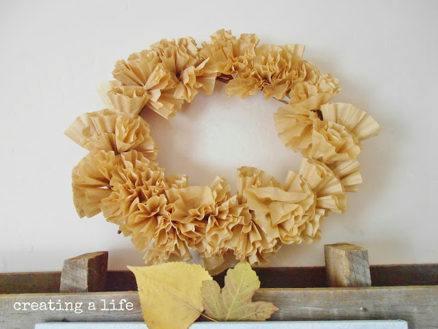 Creating A Life: Rustic Pallet Decor: The Autumn Mantel