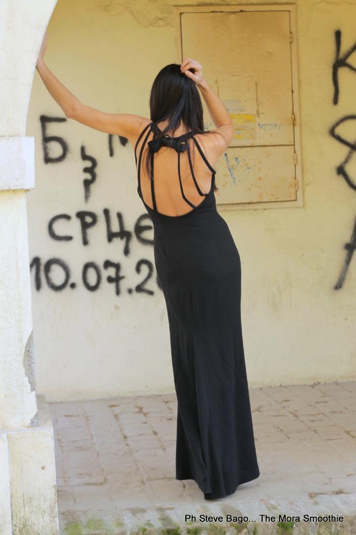 ootd, look, dress, cristinaeffe, outfit, abito per le feste, abito da sera, serbia fashion week, serbia, novisad, fashion week, paola buonacara, fashion, fashionblogger, fashionblog, italian fashion blogger, fashion blogger italiana, italian fashion blog, fashion blog italia, moda, mode, karl lagerfedl, abito con scollatura sulla schiena, abito da sera, come indossare un abito da sera, abito da sera per un evento, abito da sera per le feste