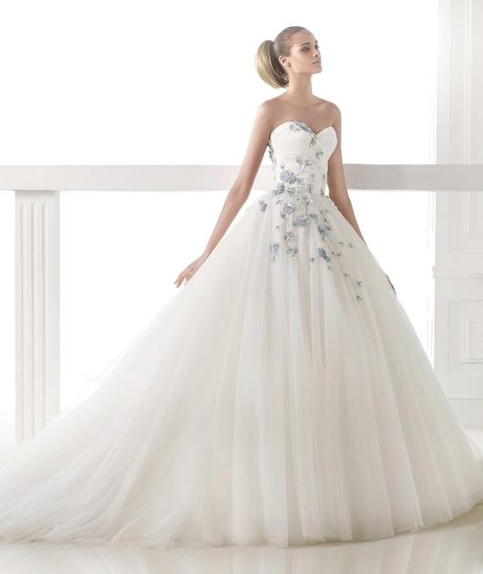Opulente Brautkleider
