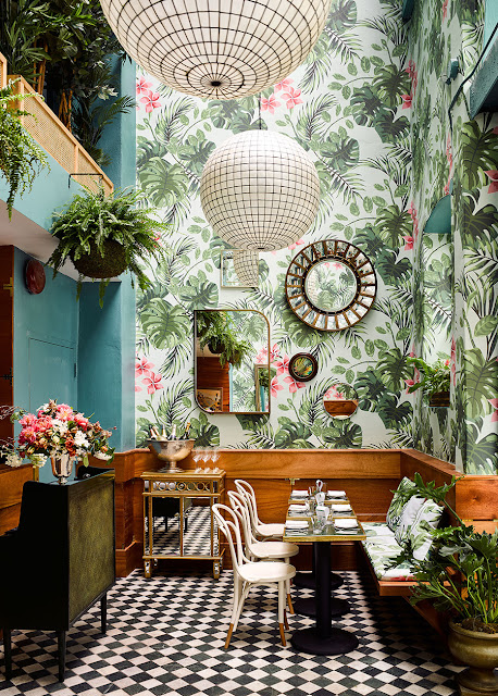 Wallpaper with oversize wild plants |  Leo's Oyster Bar, San Francisco