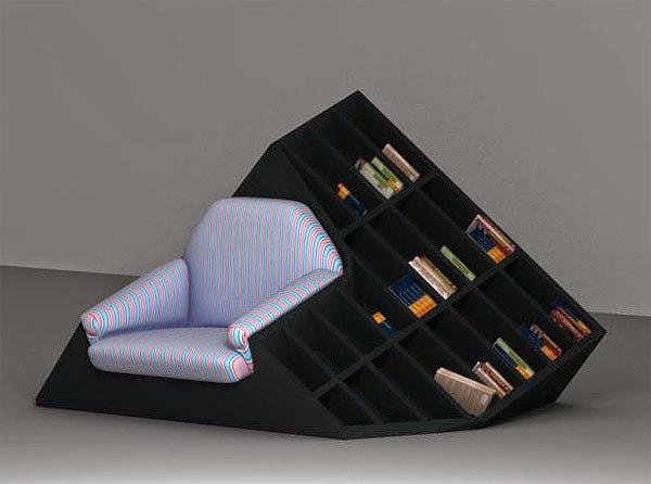 Kệ sách đa chức năng khi kết hợp thêm chiếc ghế sô pha êm ái sáng màu nổi bật trên chiếc kệ màu đen.