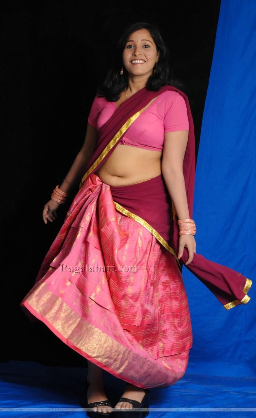 Hot Aunties Desi Village Hot Aunty Navel Show In Half Saree-1789