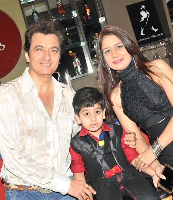 Avinash Wadhawan with Son Samaraat & Wife Natasha Wadhawan