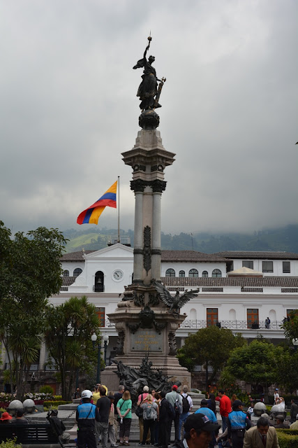 Main Square Quito victory column