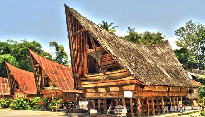 Gambar rumah adat Indonesia - Rumah adat Sumatera Utara atau Rumah Bolon
