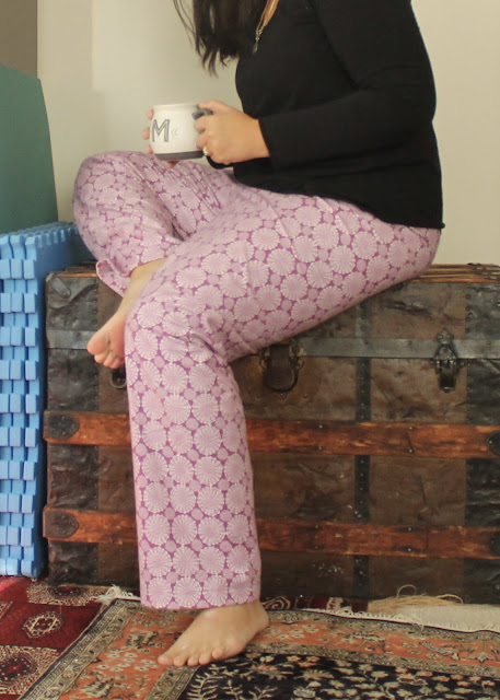 Flannel pajama pants with a hacked yoga waist made from the Simplicity 1563 pattern.