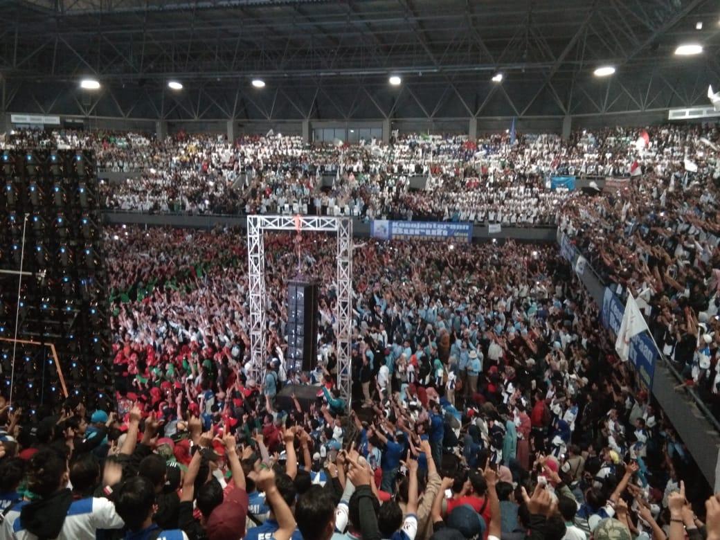 Presidennya Melempem Usai Dijamu Istana, Begini Penampakkan Buruh Sambut Prabowo