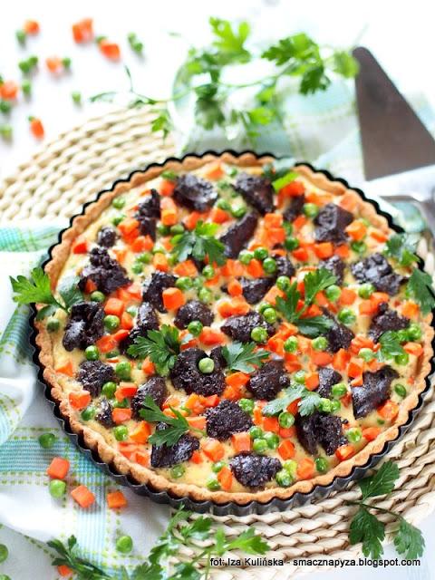 Tarta z wątróbką i warzywami