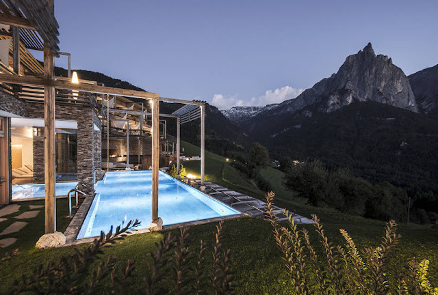 Incredible Hotel,in Kastelruth village - Italy