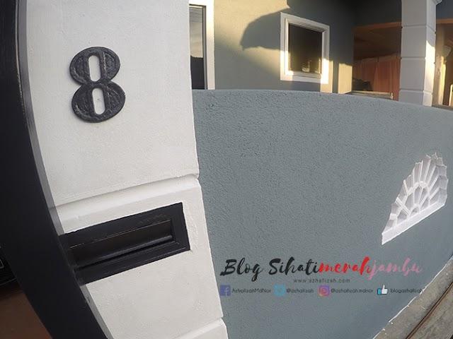 Cat Luar Rumah Warna Grey Blue, White & Black