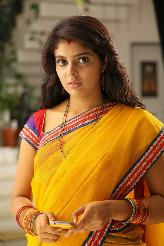 Tollywood Actress Long Hair In Yellow Saree Shravya