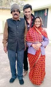 Karan Sharma Family Wife Son Daughter Father Mother Age Height Biography Profile Wedding Photos