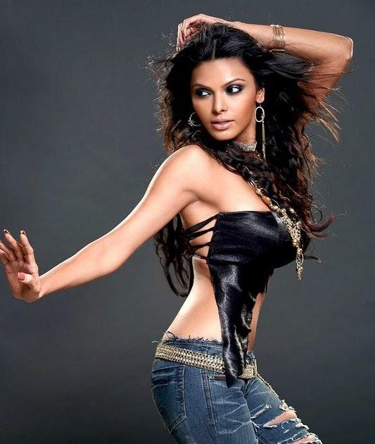 Akshaya kerala girl nude boobs n pussy show 6
