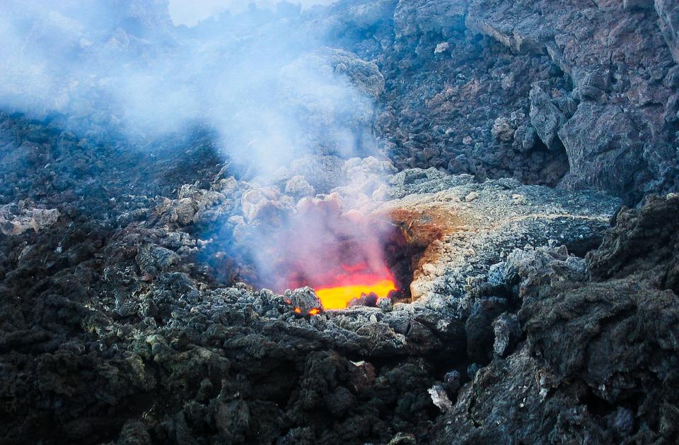 क्या होगा अगर धरती का सारा कचरा ज्वालामुखी में डाल दिया जाए?