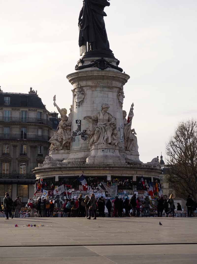 Paris, la Republique candlelit vigil