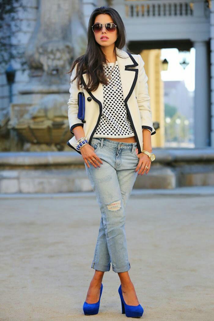 Look simples com sapatos azuis
