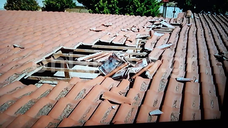 """Λάρισα: """"Αεροσκάφος πετούσε τόσο χαμηλά που διέλυσε το σπίτι μας""""!  (Βίντεο)"""