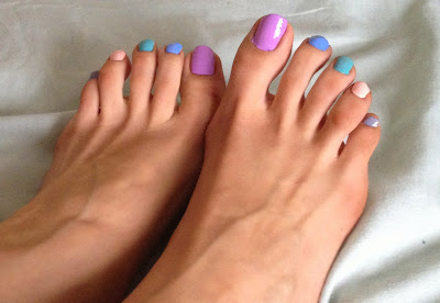 multicolour-pastel-painted-toenails-cute-feet-toes