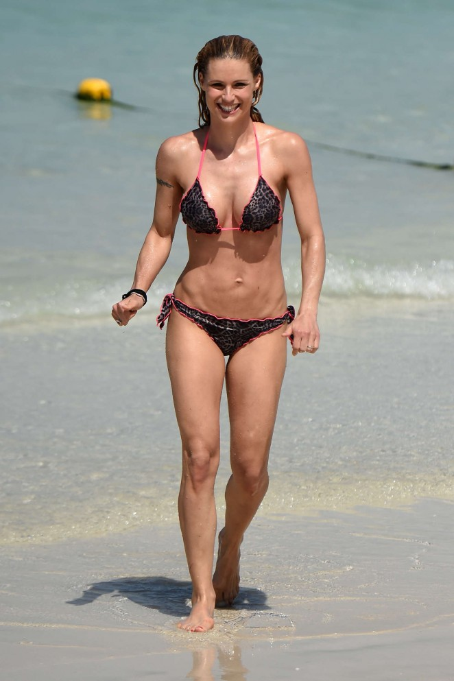 michelle hunziker in bikini   third eye