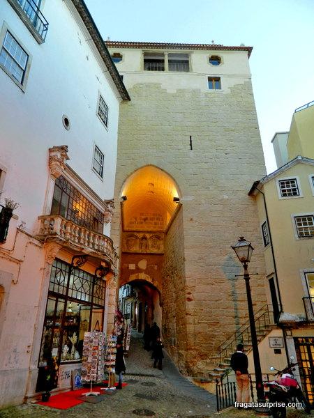 Porta da Almadina, em Coimbra
