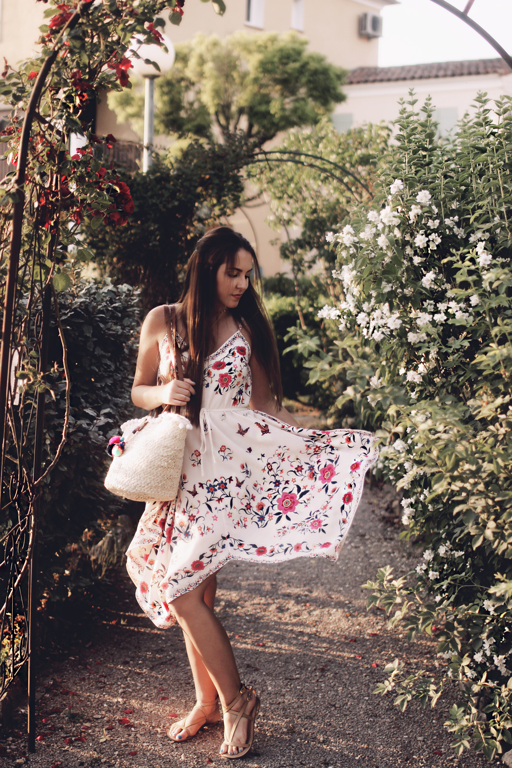 what to wear to a summer garden dinner party