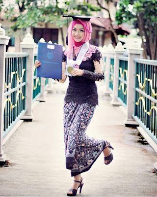 Kebaya Wisuda Muslimah 2018