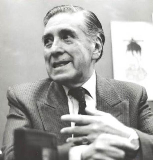 escritor Carlos Solórzano