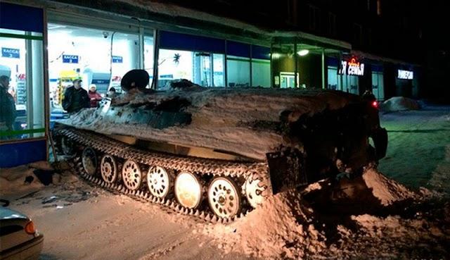 Ébrio rouba tanque de guerra e invade mercado na Rússia