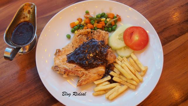 Go Pogo Ringroad City Walks - Lokasinya Dekat Bioskop - Chicken Blackpepper