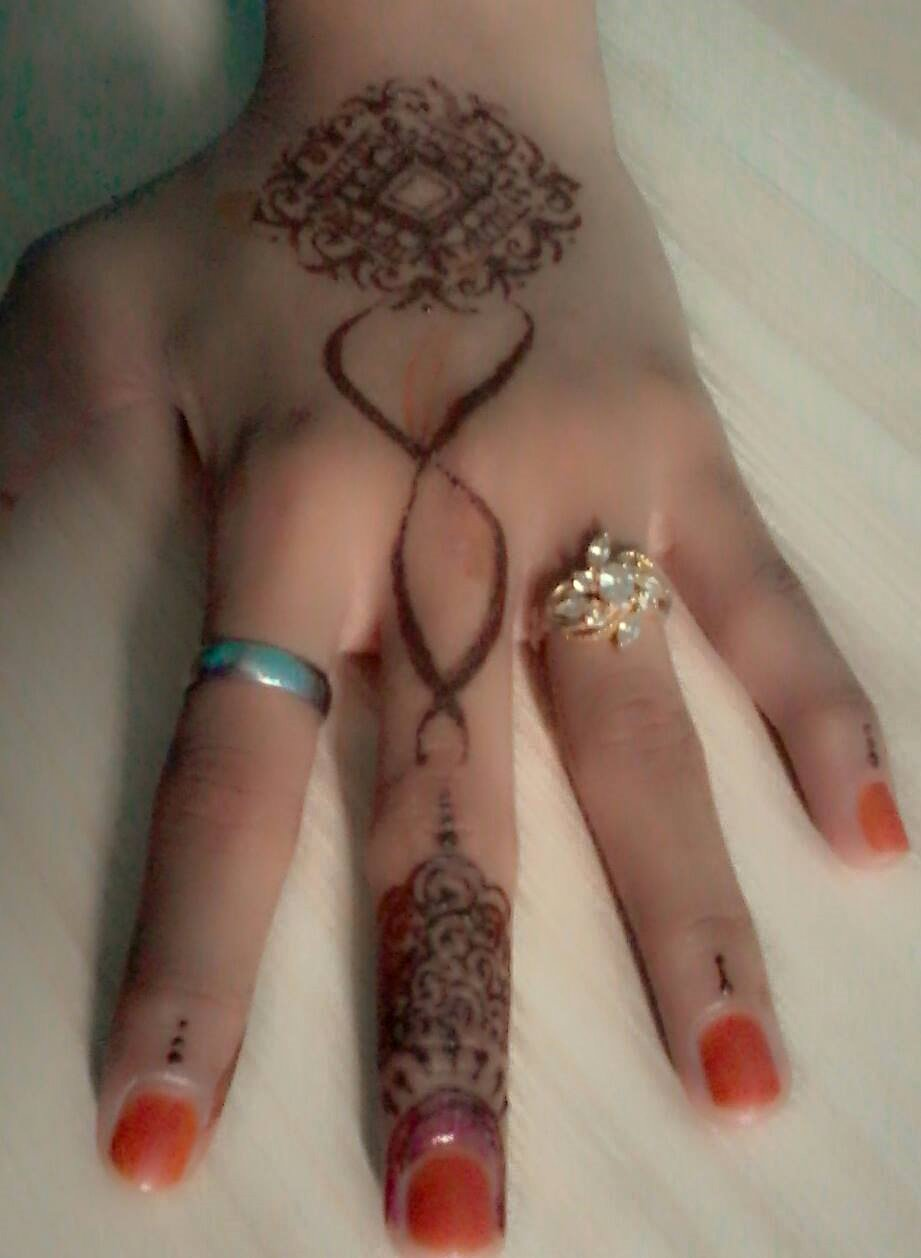 Simple Design Adila Henna Adila Henna Art