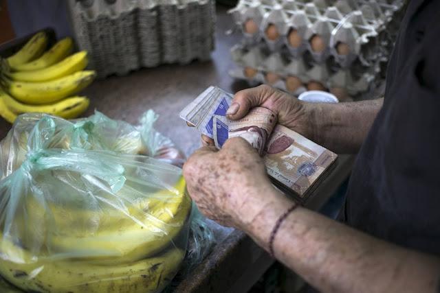 Venezuela: el cóctel explosivo que lleva los precios a la estratosfera
