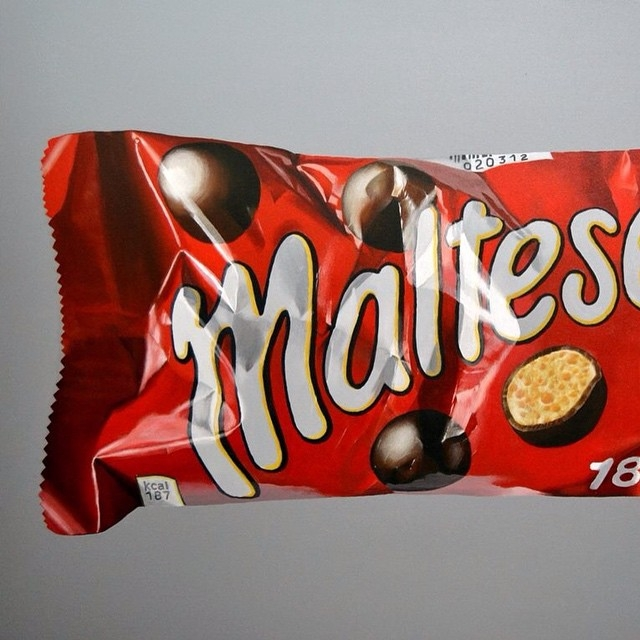 05-Maltesers-Peter-Slade-Hyper-Realistic-Paintings-Acrylic-on-Canvas-www-designstack-co